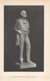 Statuetee Of Thackeray